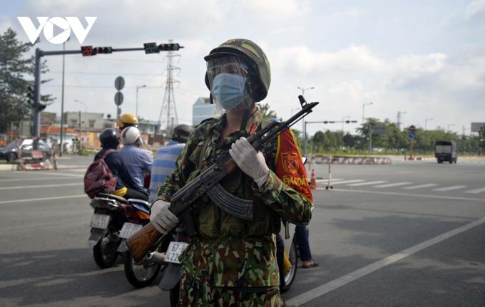 Kiểm soát quân sự tham gia tại các chốt...