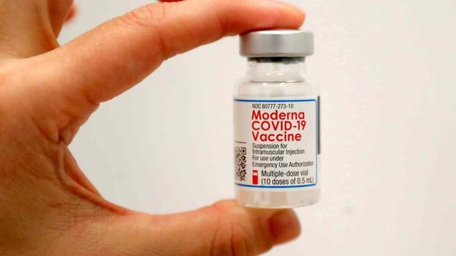 Nhật Bản ngừng sử dụng 1,6 triệu liều vaccine Moderna