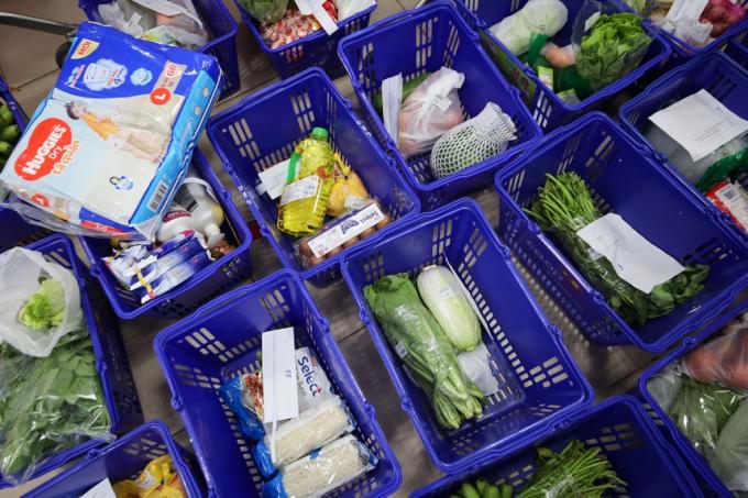 Các siêu thị ở TP.HCM sửa combo 'đi chợ hộ' vì dân chê giá cao
