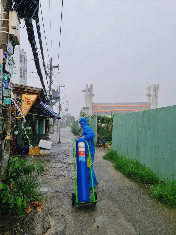 Sài Gòn những bước lặng im lìm đợi…