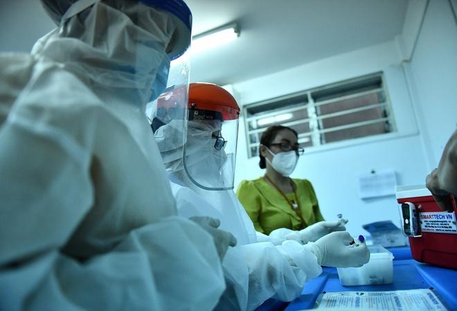 Sở Y tế TPHCM nói gì về việc chỉ đạo khẩn tạm ngừng tiêm một lô vaccine Pfizer?