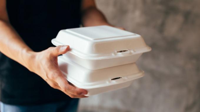 Hóa chất tổng hợp có trong hộp xốp nhựa có thể gây tử vong sớm