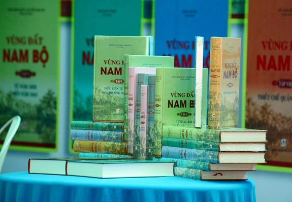 """""""Nam Bộ quá trình hình thành và phát triển"""": Cái nhìn tổng thể về vùng đất phương Nam"""