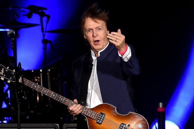 Top 10 nhạc sĩ có thu nhập khủng nhất thập kỷ