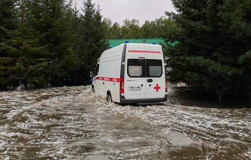 Vỡ đập ở Nga, 11 người chết