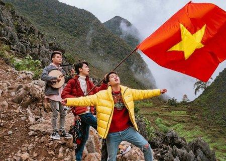 Việt Nam Tôi từ K-ICM và Jack đã 'băng băng' #1 trending Youtube