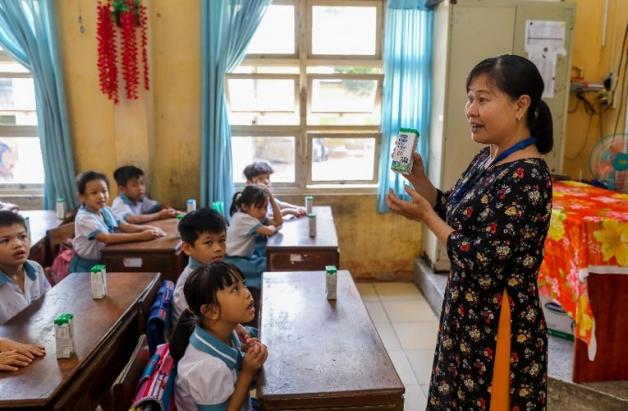 Đến nay, 10 quận huyện của TP.HCM đã thực hiện chương trình Sữa học đường.