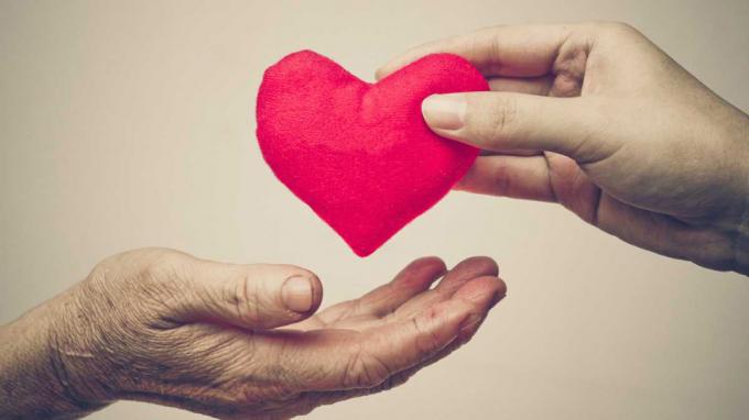 Trao tặng và yêu thương