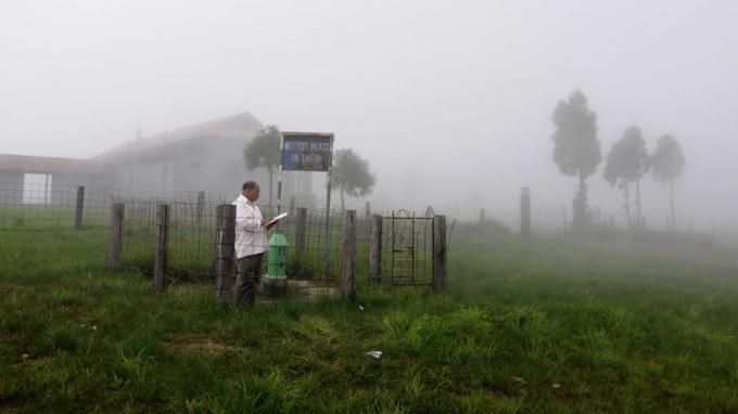 Với lượng mưa hằng năm trung bình 12m, ngôi làng Mawsynram phía đông bắc bang Meghalaya là nơi ẩm ướt nhất trên trái đất