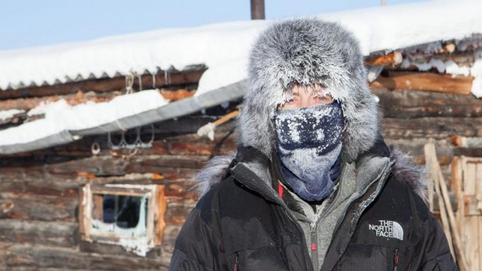 Là nơi lạnh nhất trên trái đất với nhiệt độ trung bình -50°C và đạt tới -67,8°C vào mùa đông. Tại đây có 50 hộ gia đình sinh sống khiến khu vực vùng Siberia này trở thành cộng đồng lạnh nhất trên trái đất.