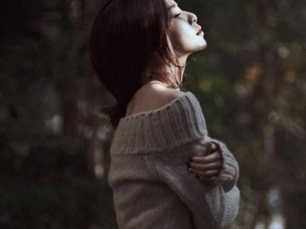Sống trong bao chuyện tình thì nội tâm chỉ chất chứa nỗi cô đơn chẳng thể khoả lấp (Ảnh minh họa)