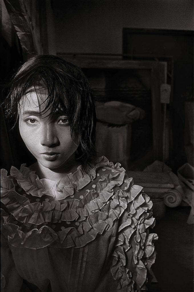 Hu Yuanli Chez Elle, Paris, 2003 (Ảnh: Zhang Hai'er).