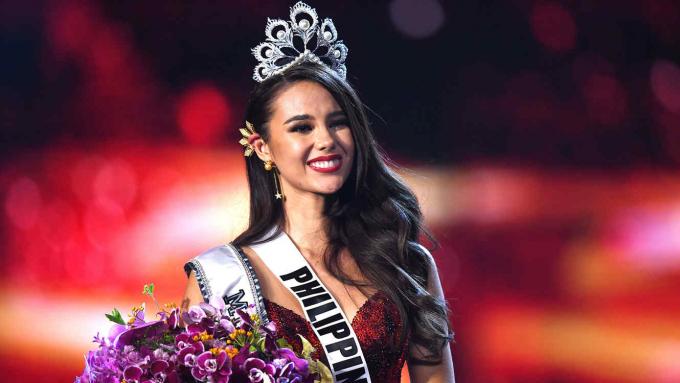 Catriona Gray đăng quang Miss Universe 2018 gây lên nhiều dư luận trái chiều tại Philippines