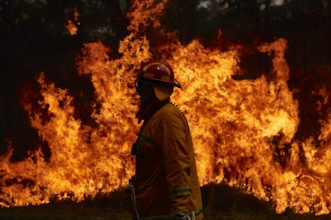 Cháy rừng ở Úc mang mộthìnhthái mới với mức độ nguy hiểm chết người và khó dự đoán (Ảnh: Brett Hemmings/Getty Images)