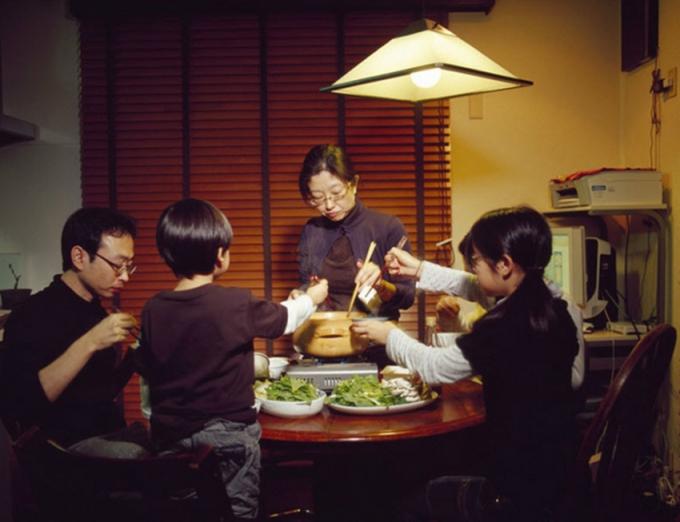 Phụ nữ nội trợ Nhật Bản, tinh hoa đi liền thách thức (Kỳ 1): Đời nội trợ bận rộn