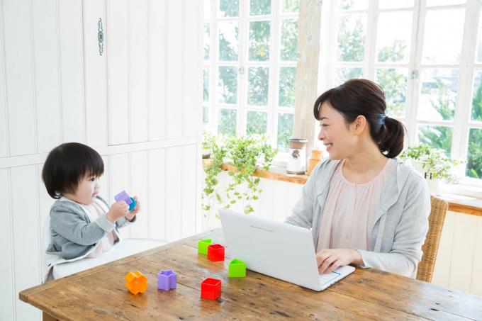 Phụ nữ Nhật Bản vừa trông con, lo việc nhà lại vừa phải có nhiệm vụ quản lý tài chính của cả hộ gia đình.