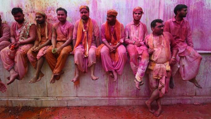 Không chỉ ở Ấn Độ, Holi cũng khá phổ biến ởkhắp khu vực Nam Á và các quốc gia khác (Ảnh:Money Sharma/AFP/Getty Images).