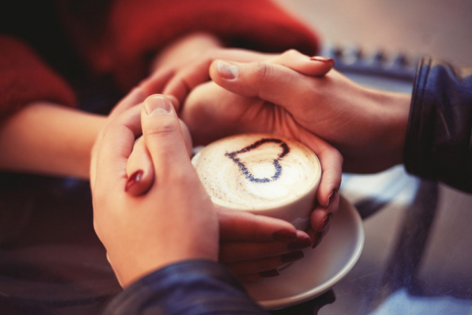Bàn tay luôn nối với trái tim