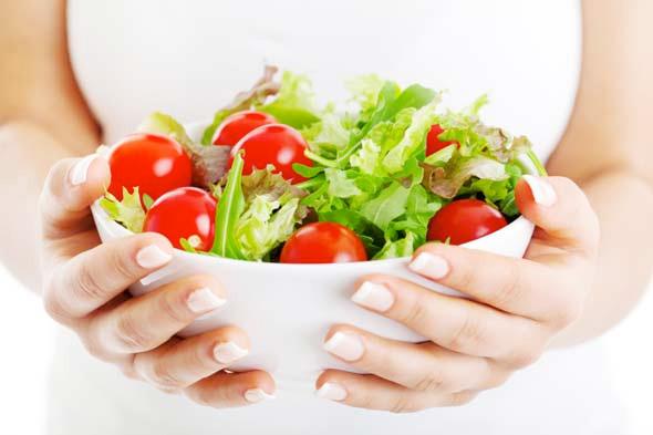 Hãy quan tâm hơn đến sức khỏe của bạn bằng những bữa ăn lành mạnh.