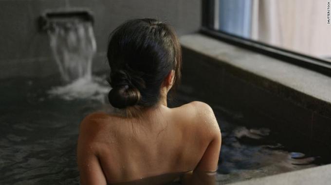 Không chỉ giúp sảng khoái, tắm bồn còn đem lại lợi ích về sức khỏe.