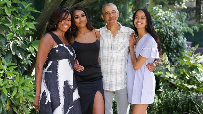 Gia đình cựu tổng thống obama cũng đang dần