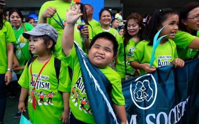 Hàng năm, Philippines thường tổ chức cuộc thi chạy dành cho những người mắc hội chứng tự kỷ ở mọi lứa tuổi.
