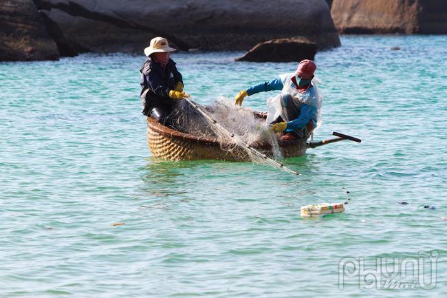 Người dân chủ yếu sống bằng nghề đánh bắt hải sản