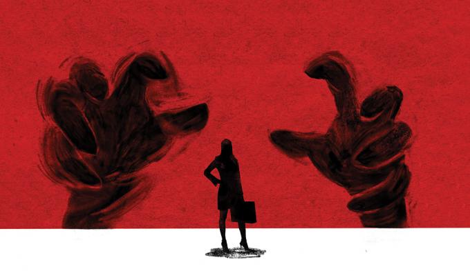 Nhiều phụ nữ yếu lòng thường trở thành con mồi của những gã đàn ông sở khanh.