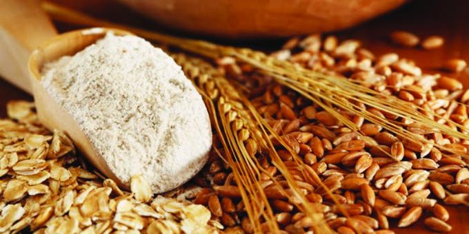 Các sản phẩm giàu dinh dưỡng, dễ tiêu từ gạo, bột mì, ngũ cốc giúp cung cấp năng lượng cho bé.
