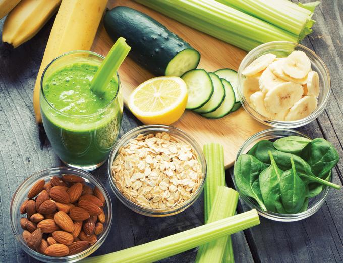 Một chế độ ăn giàu dinh dưỡng như trái cây, rau xanh, ngũ cốc giúp cung cấpvitamin cần thiếtcho cơ thể bé.