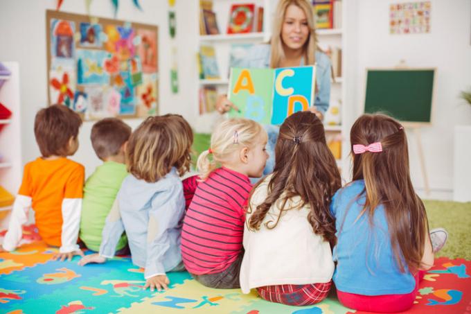Dạy trước cho trẻ các kiến thức sẽ học ở trường sẽ dập tắt đam mê được biết của trẻ.