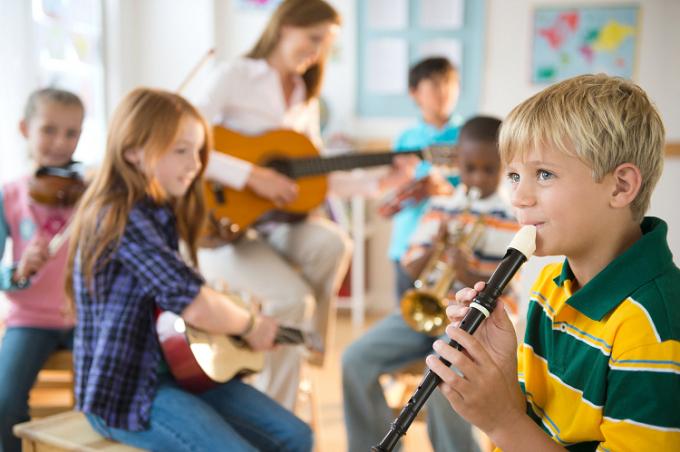 Mỗi trường có hướng đầu tư khác nhau cho học sinh tùy theo năng lực, ý muốn.