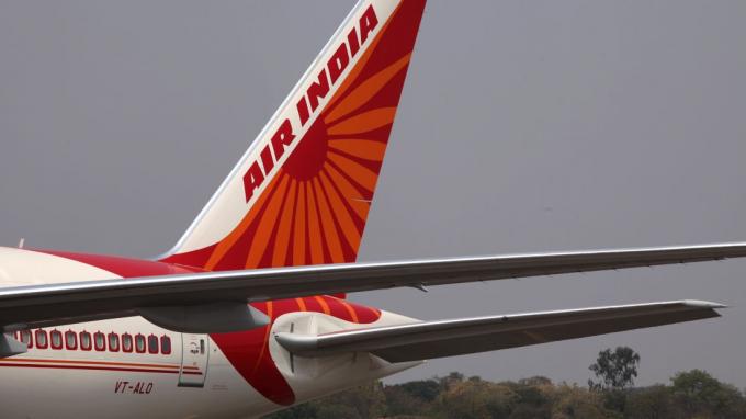 Air India, hãng hàng không làm nên lịch sử với chuyến bay toàn nữ (Ảnh:CNN).