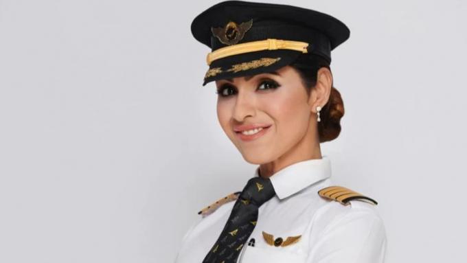 Cơ trưởngZoya Aggarwal, một trong 4 người phụ nữ hoàn thành chuyến bay lịch sử (Ảnh: India Today).