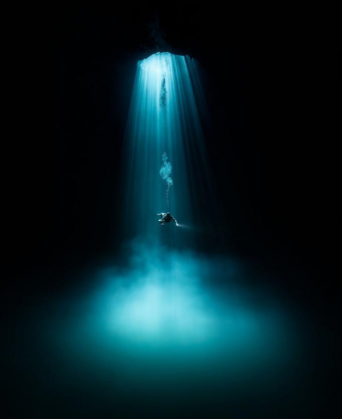 Nhiếp ảnh gia phiêu lưu, Martin Broen